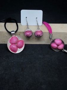 Seashell Trio / Silver Pendant - Black Necklace/Pink Bracelet/Earrings Matching Set