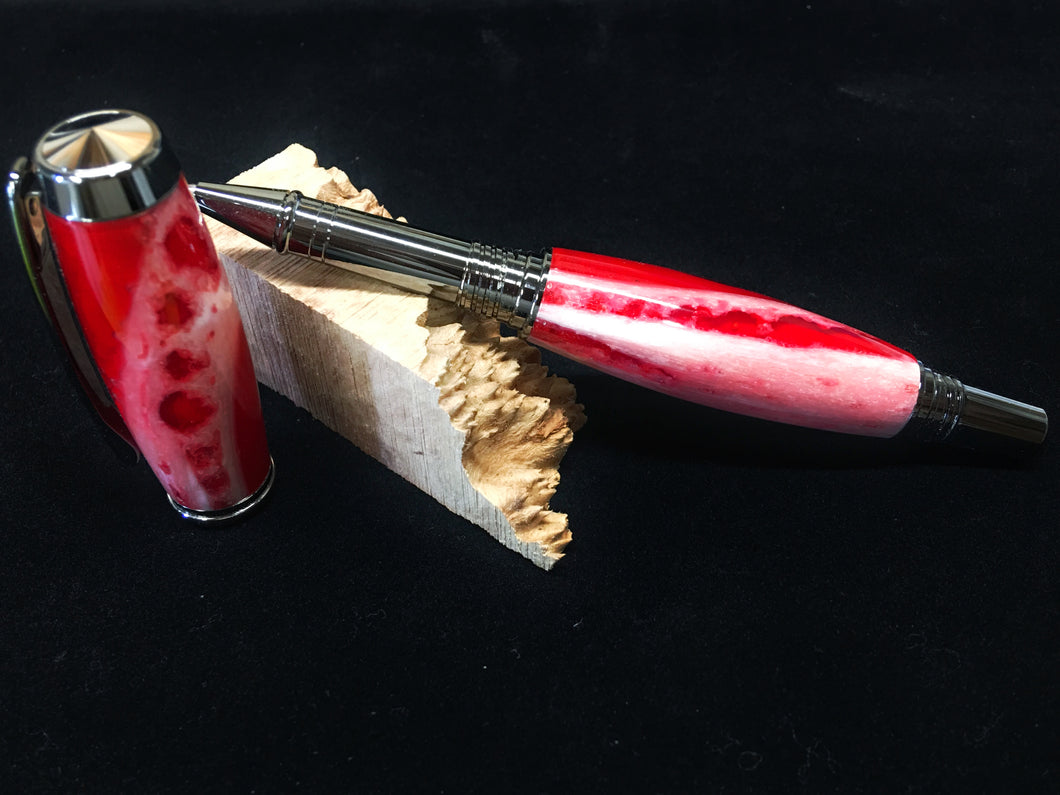 Gentleman Rollerball / Black Titanium - Alligator Jaw and Red Resin
