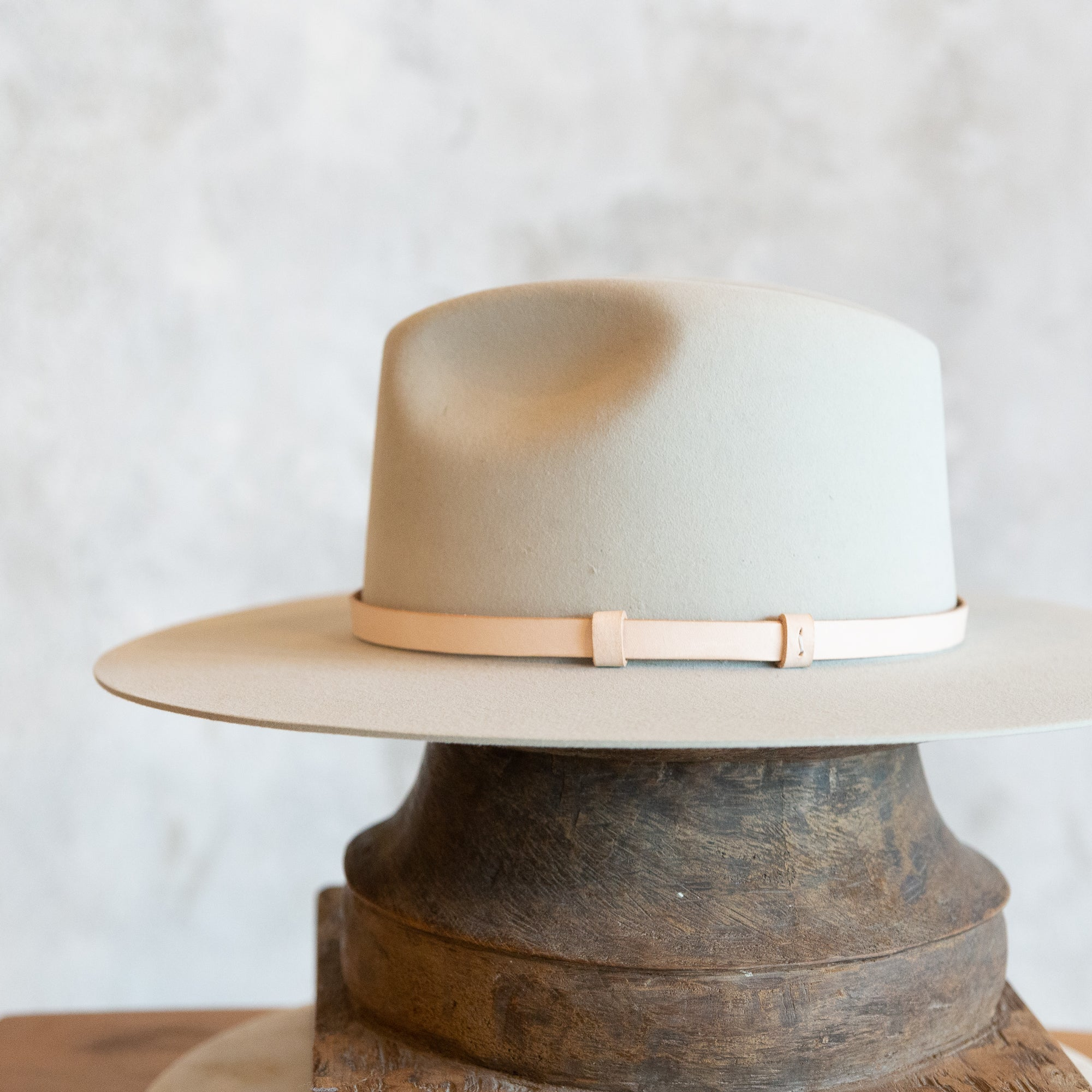 Veg Tan Leather Lined Hat Band