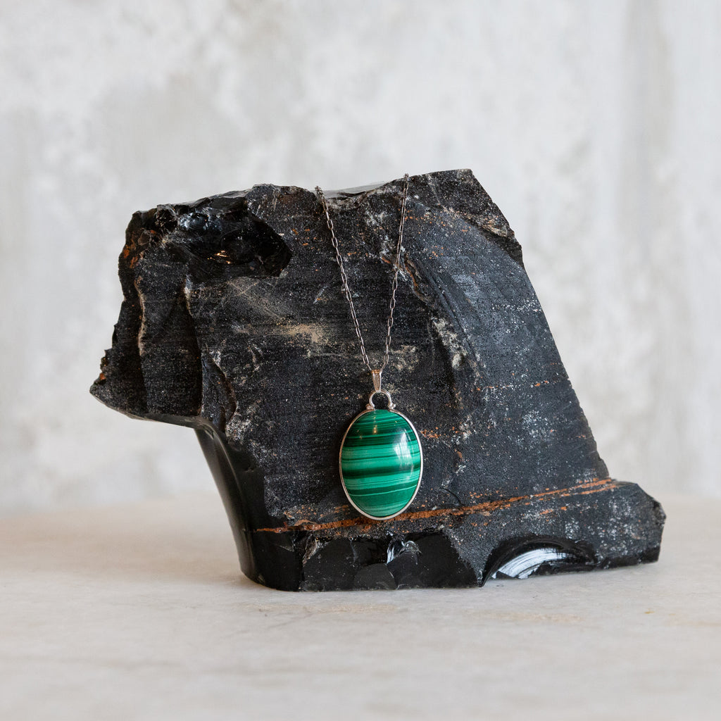 Vintage Malachite Oval Pendant Necklace