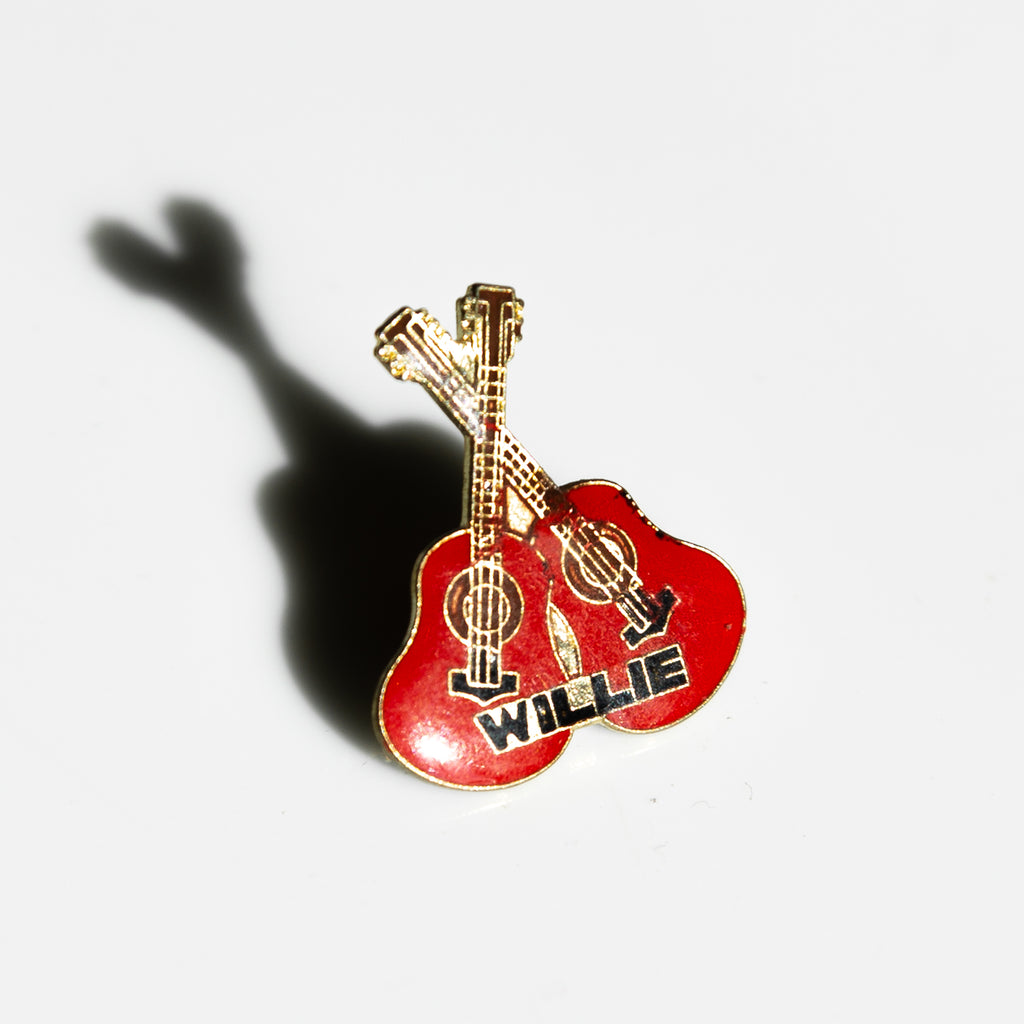 Willie Double Guitar Pin