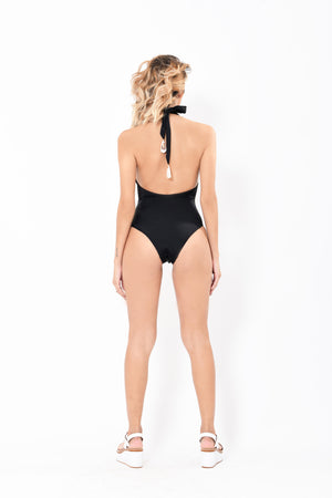 One piece with Cut Out