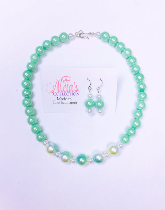 Mellow Mint Pearls Necklace & Earring Set