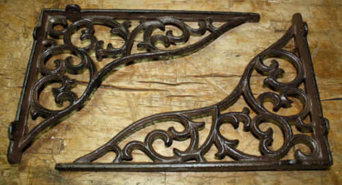 "Ornate Cast Iron 11"" X 7.5"" Bracket"