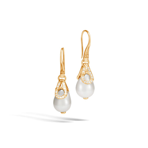 DROP EARRING WITH PEARL AND DIAMONDS