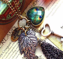 Load image into Gallery viewer, High Quality Retro Peacock Feather key Necklace