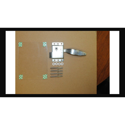 LOCKABLE BREAK GLASS LATCH W/ KEY