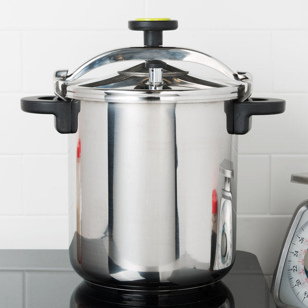 Food Equipment  50 Cup (25 Cup Raw) 12.66 qt. (12 Liter) Stainless Steel Pressure Cooker