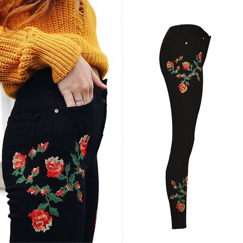 Style Rose Flower Embroidery Women Jeans B009