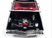 Load image into Gallery viewer, 1/18 1969 Chevy Chevelle SS396 Tuxedo Black