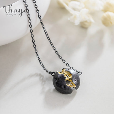 Collier Noir Planet Design