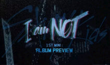 Laden Sie das Bild in den Galerie-Viewer, Stray Kids [I am Not] Debut Album