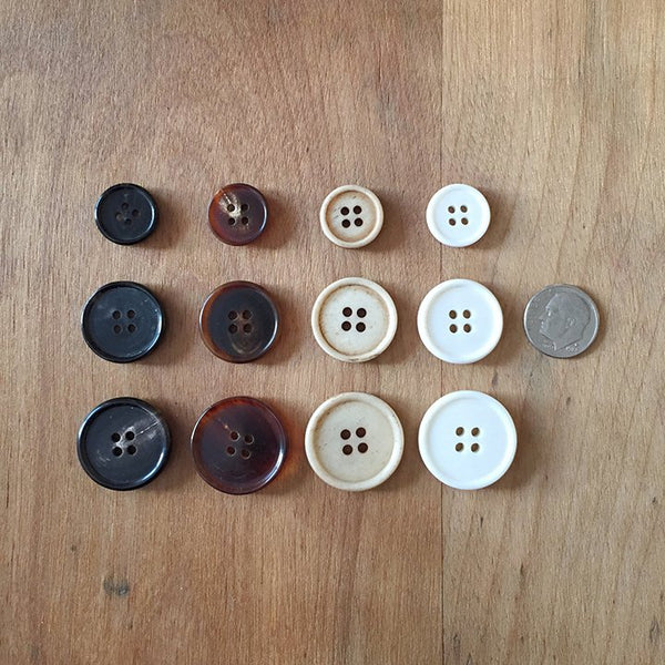 Narrow rim buttons (bone/horn)