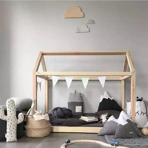 FIJN Toddler Wooden House Bed