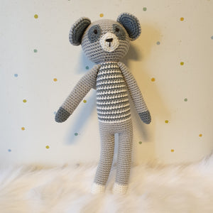 May's Hand Ratel Raty Standing Crochet