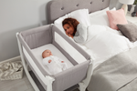 Shnuggle // Air Bedside Crib // Dove Grey