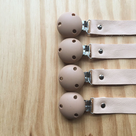 BEZISA // Leather Pacifier Clip // Cotton