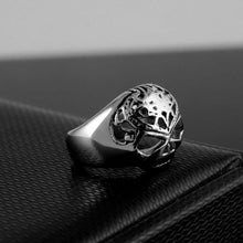 Load image into Gallery viewer, Cycolinks Punk Rock Skull Ring - Cycolinks