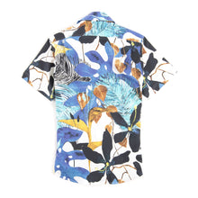 Load image into Gallery viewer, Summer Stretch Floral BBQ Shirt