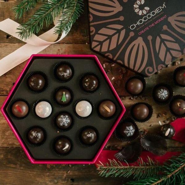 12 Piece Holiday Signature Gift Box
