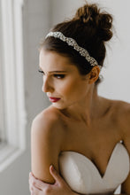 Load image into Gallery viewer, Pearl Bridal Headband