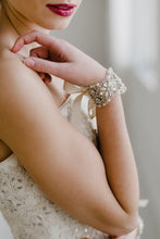 Load image into Gallery viewer, Rhinestone Bridal Cuff