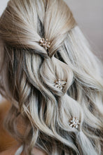 Load image into Gallery viewer, Crystal Bridal Hair Pin