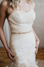 Load image into Gallery viewer, Crystal Pearl Bridal Sash