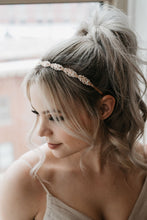 Load image into Gallery viewer, Rhinestone Bridal Headpiece