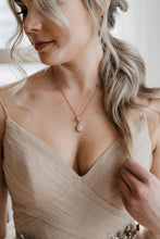 Load image into Gallery viewer, Rose Gold Bridal Necklace