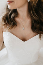 Load image into Gallery viewer, Gold Bridal Necklace
