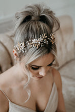 Load image into Gallery viewer, Gold Flower Bridal Hair Vine