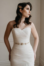 Load image into Gallery viewer, Gold Bridal Belt