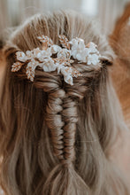Load image into Gallery viewer, Flower Hair Piece