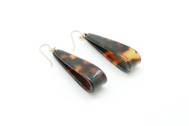 Tortoise-Shell Pull Vintage Earrings