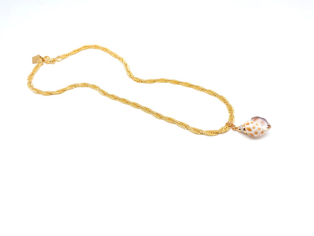 The Gold Shelly Necklace