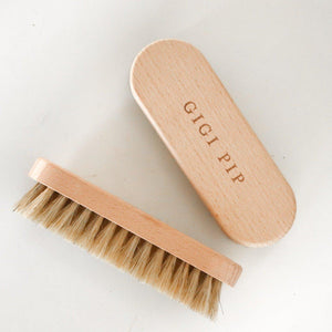 Gigi Pip / Hat Brush