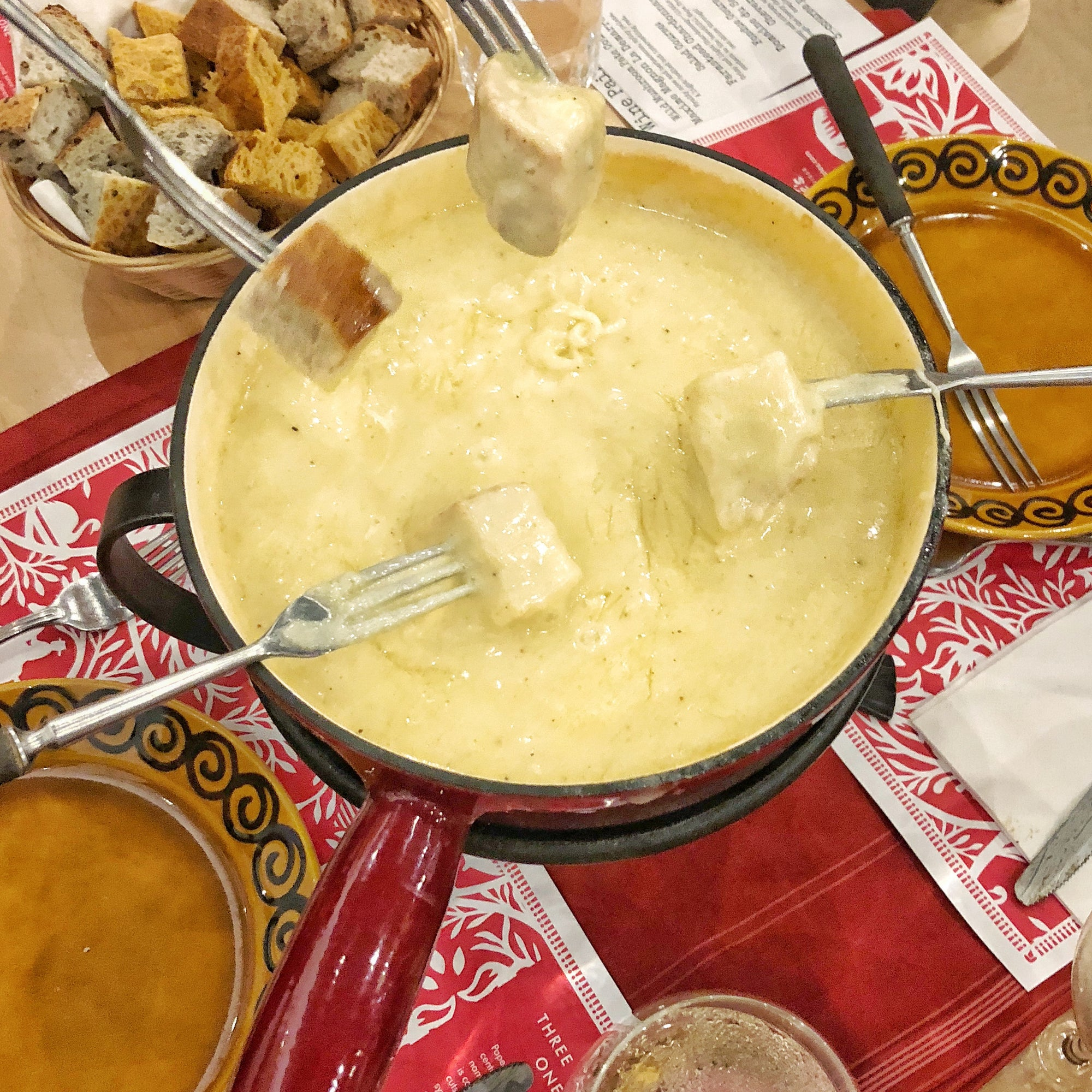Cheese Fondue Kit - Swiss Cheese Fondue + Bread