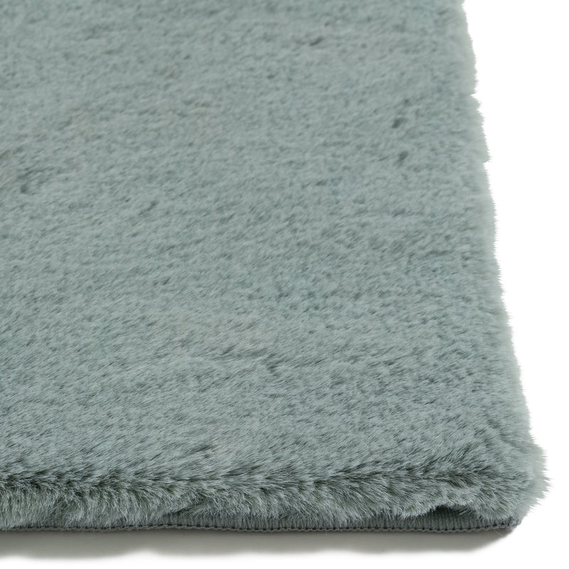 MITIS RUG MEDIUM LIGHT GREEN (W2000 x D1400)