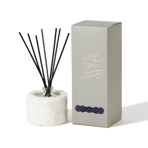 FURRY ROOM FRAGRANCE White