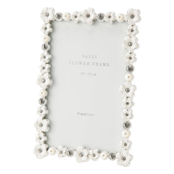 SALLI FLOWER FRAME SQUARE WHITE