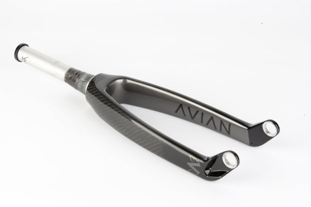 Avian Versus Tapered Carbon Fork