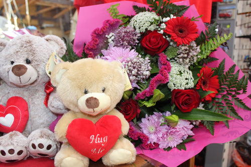 Romantic Handtied and Teddy