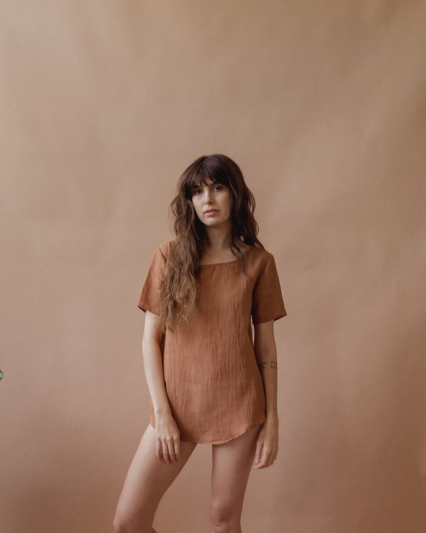 La Playa Tee in Clay - plant dyed - Layne Collective- Layne Collective