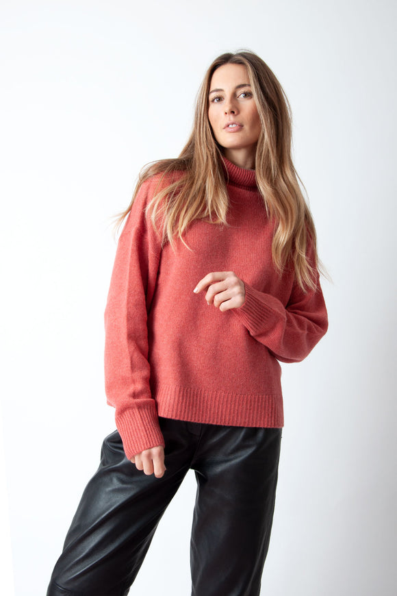 360 Cashmere - Leia Turtleneck in Chili