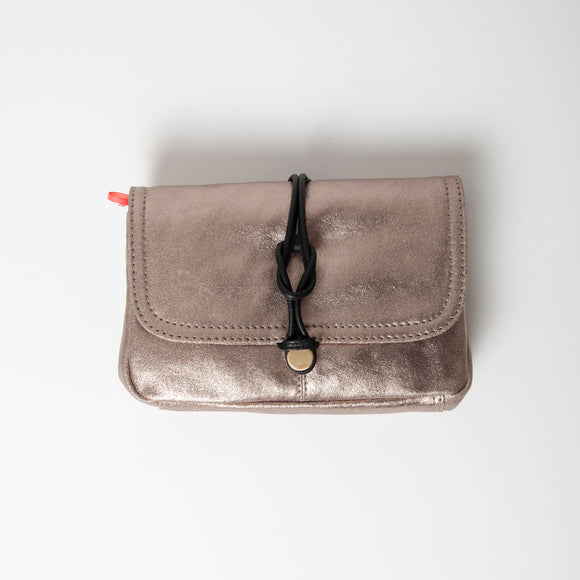 Nooki Design - Delfine Leather Clutch Gold