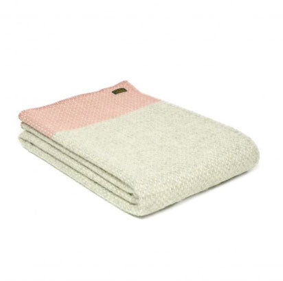 Tweedmill - Pure New Wool Crossweave Throw with Whipped Edge in Dusky Pink