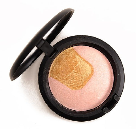 Mac Mineralize Skinfinish, Centre Of Attention, Divine Night Collection