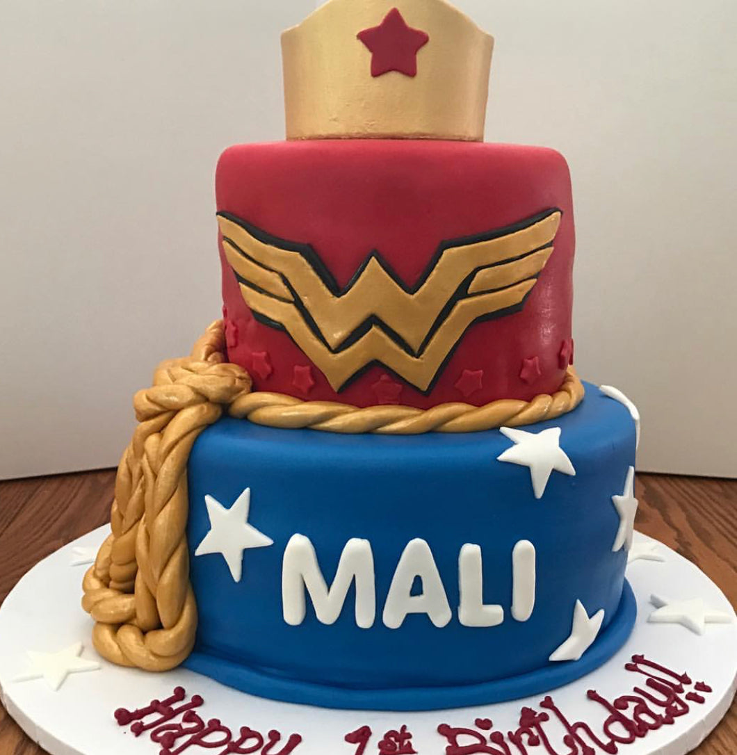 Wonder Woman Marvel Comics Cake