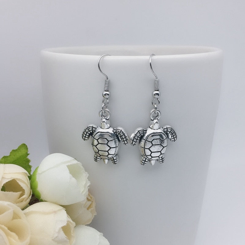 Charm turtle earrings